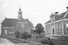 36 Oostwold, N.H. kerk met kosterswoning (2)