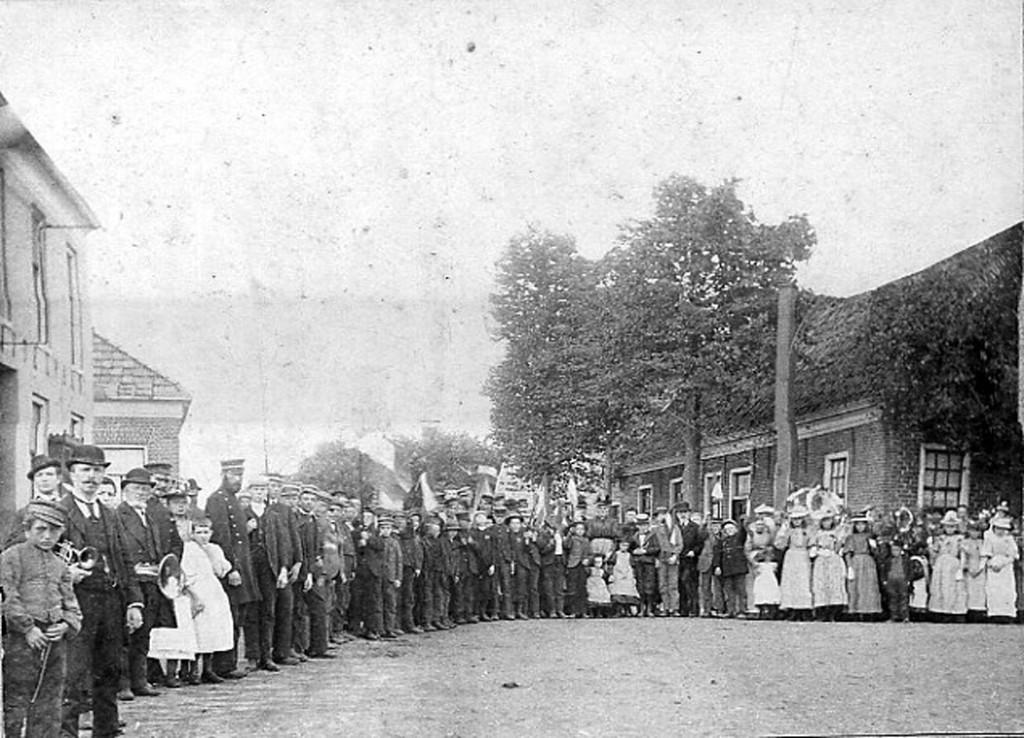 4- Feest 1898 kroning wilhelmina